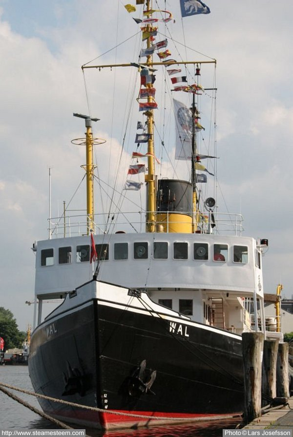 Steam Ship Engine Room: Steamship Wal From Bremerhaven